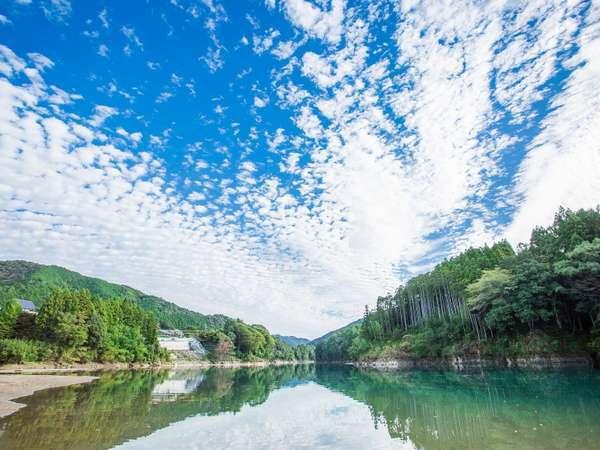 清流日本一の宮川のほとり、伊勢からも松阪からも約30分と便利!