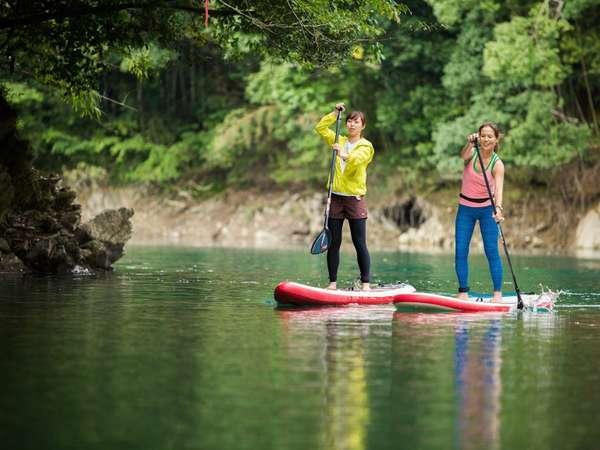 日本一きれいな川としてしられる「清流宮川」で人気のSUPやカヤックなどアクティビティが楽しめる