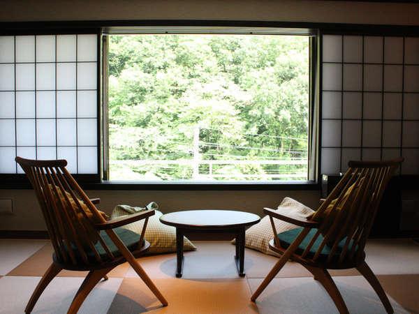 【和~nagomi~ 山景デラックスタイプ/禁煙】12畳 定員4名四季折々の景色をお楽しみください。