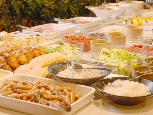 朝食バイキング 和食・洋食など種類豊富に取り揃えております。