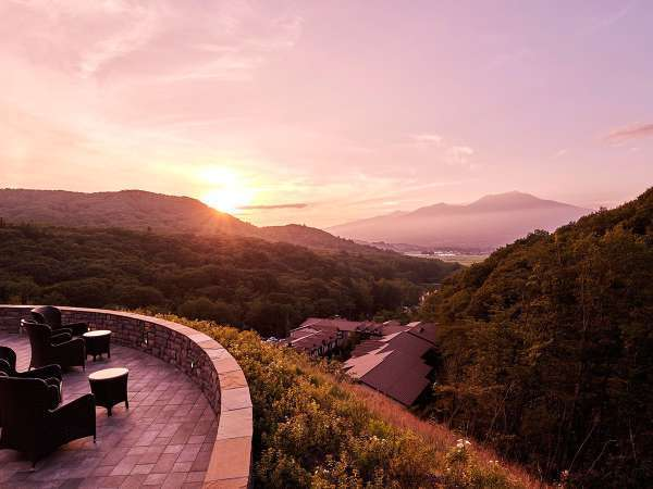 標高1,000mからの眺望。刻々と表情を変える景色とともに、心潤う癒しのひとときを