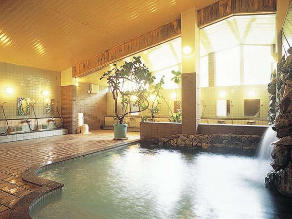 【大浴場】肌あたりのよい柔らかな泉質が人気です。