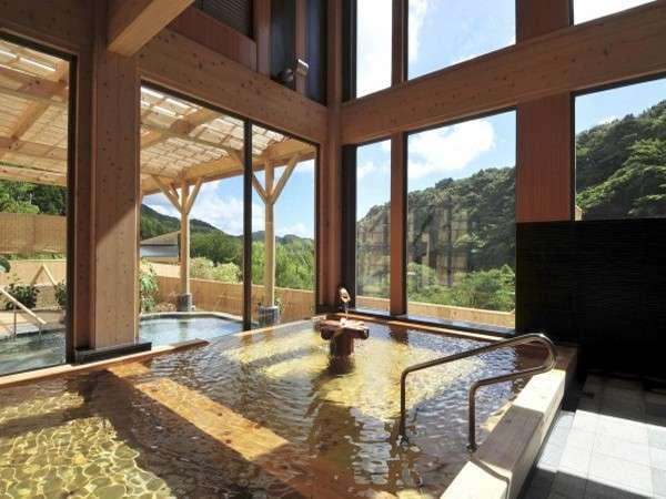 日帰り入浴施設「観音プリンシプル」の総檜風呂の一例 ※ご宿泊のお客様もご利用可能です
