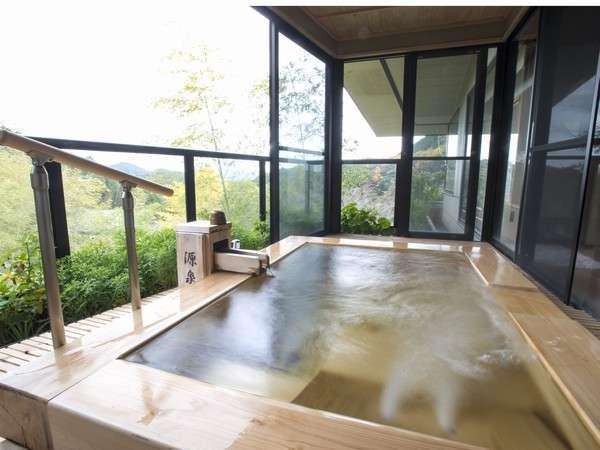 ピグマリオン特別室(和室12.5畳+次の間4.5畳)、ジェットバス付露天風呂(一例)