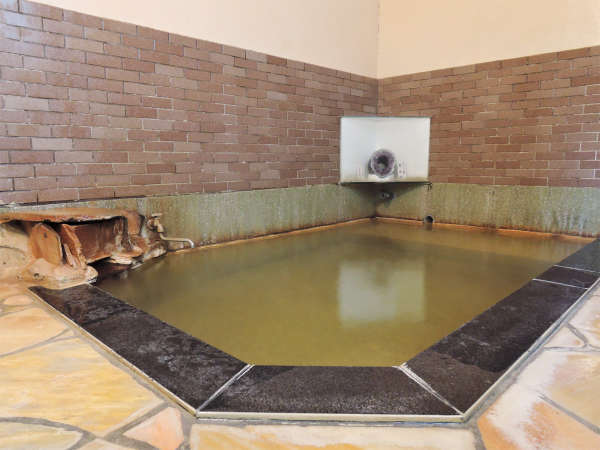 【肘折温泉 旅館勇蔵】24時間入れる源泉かけ流し!肘折温泉の中心地にある小さな湯治宿