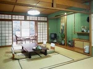 落ち着いた雰囲気の和室14畳(客室例)