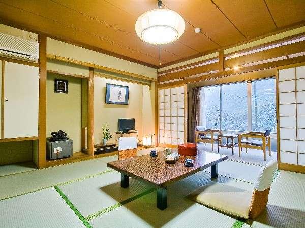 客室(8畳)例