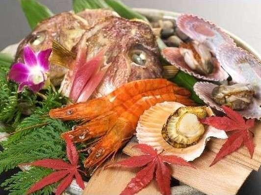 海賊料理が由来の「宝楽焼」メインには来島鯛