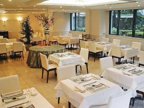 ◆フレンチレストラン『ルヴェソンヴェール本郷』◆ 本郷の静けさの中で、お食事をどうぞ。