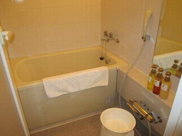 デラックスシングルの浴室:バス・トイレ独立型◆洗い場があるので、ゆっくりとバスタイムが楽しめます。