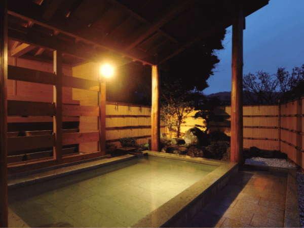 広々開放的な山城の湯 貸切露天風呂としてもご利用頂けます。