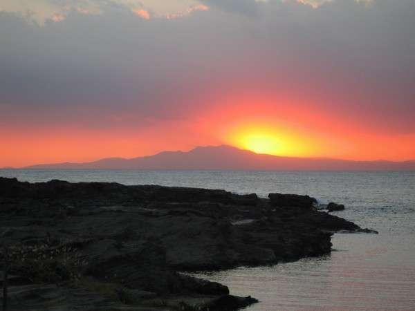長津呂湾 伊豆天城山に沈む夕陽[秋~春]