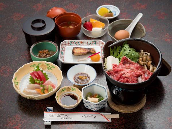 *夕食/部屋食で味わうことができる、当館自慢のお料理。