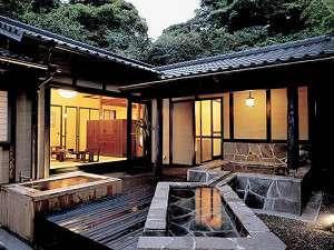 【離れ】離れは全5室に岩盤浴・寝湯・露天風呂を備える