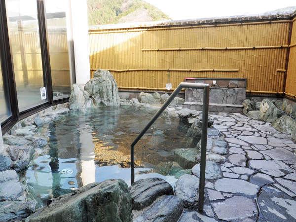 【国民宿舎あわくら荘】ラジウム温泉が自慢!鳥取と岡山の県境に近い自然豊かな山里の宿