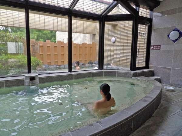 広々大浴場。温泉で日頃の疲れを癒してください!
