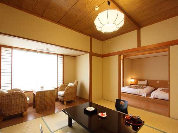 【和洋室】ゆったりと寛げるモダンな空間。和室8畳+洋室6畳の組み合わせ。
