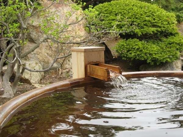 季節を感じながら露天風呂を満喫下さいませ。