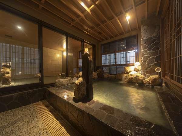 ■男性大浴場岩風呂■