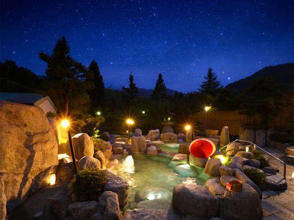 満天の湯:石造りの浴槽に浸り木曽の山並みを愛でる