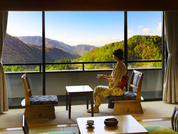 お部屋からは木曽の山々をご覧いただけます。