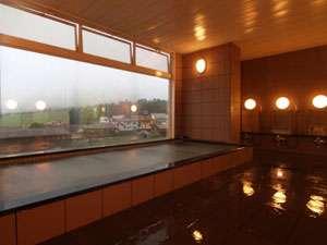 5階の天然温泉大浴場からの白馬山麓は絶景!