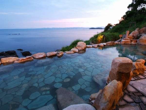 海舟自慢の混浴露天風呂【浜千鳥の湯】大海原の絶景はメディアも絶賛です。