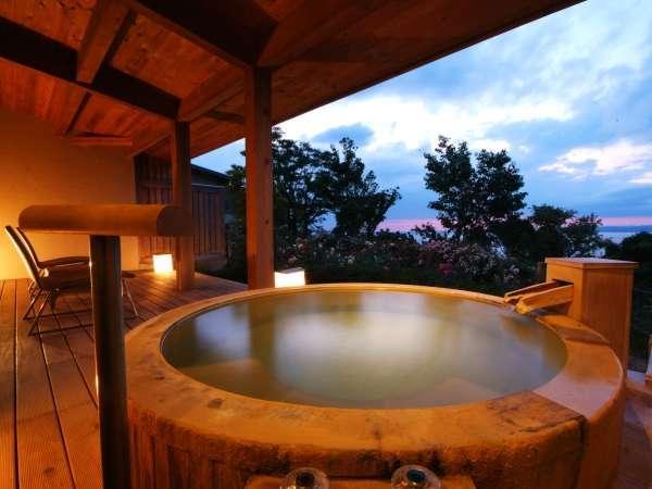 【離れ:メゾネット】源泉100%掛け流しの露天風呂でプライベートな贅沢を。