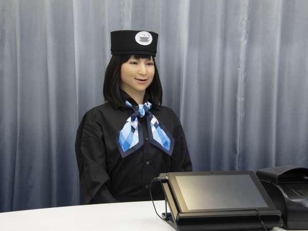 フロント:最先端のヒューマノイドロボットがご案内いたします♪(1)