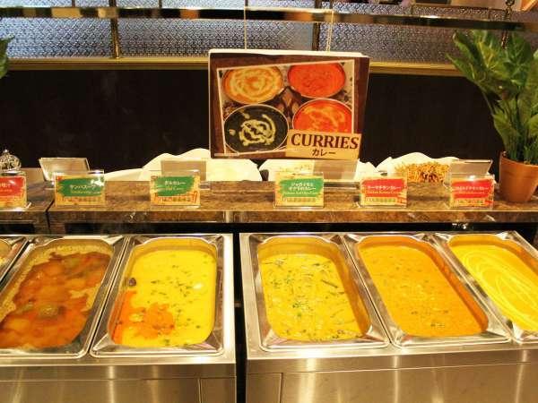 【朝食か昼食が選べる】スタッフ全員ネパール人とインド人の本格インド料理が味わえます。