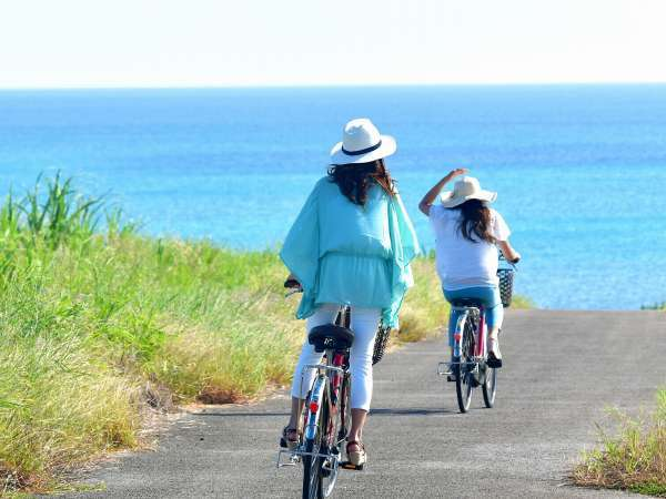 【島の風景】小浜島を楽しむなら自転車がおすすめ。レンタサイクルも承っております。
