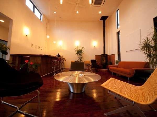 【lobby】北欧のデザイナーズ家具が立ち並ぶ