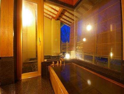 客室内古代檜風呂と露天風呂(一例)①