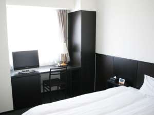 130センチのセミダブルベッド対応シングルルーム☆