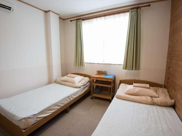 ツインルームはベッドが隣同士のお部屋です