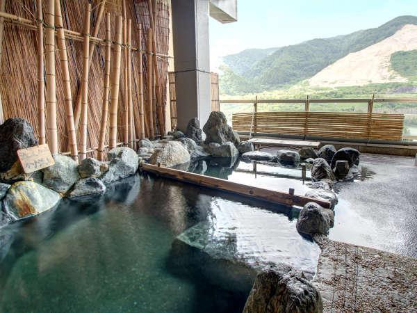 【咲花温泉 阿賀のめぐみ 望川閣】県内で唯一!咲花の湯を<3色同時に楽しめる>川沿いの温泉宿。