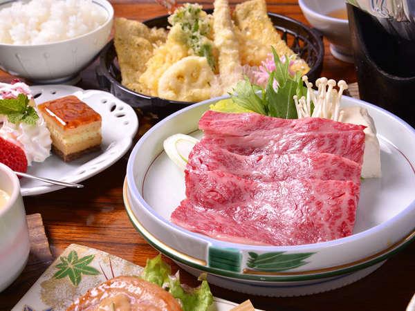 """*お夕食一例(しゃぶしゃぶ)/有名国産牛の元祖""""但馬牛""""を昆布だしの湯にくぐらせて。至福の時をどうぞ。"""