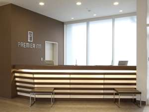 ホテル1階フロントカウンター