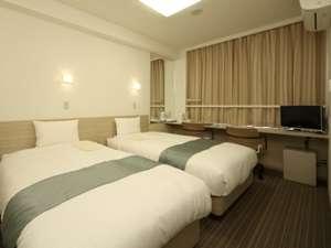 ベッドはポケットコイルスプリングマットレスを使用。心地よい眠りを提供致します。