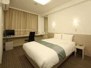 140cmのワイドベッド(ポケットコイルマットレス)で上質な眠りをお届けいたします。