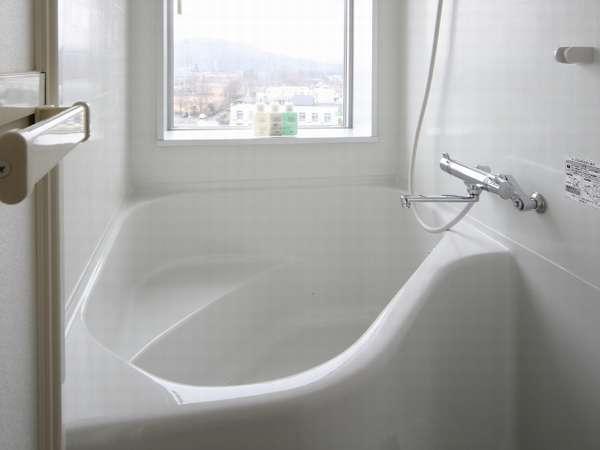 バスルームは独立構造♪トイレと別れているのでゆっくりバスタイムをお楽しみ下さい。