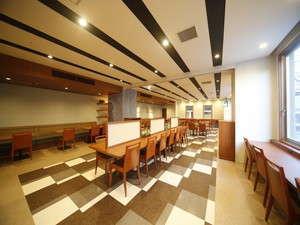 ◆レストランはゆったり60席以上ご準備 ファミリー、グループでのご利用にも対応致します。
