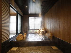 ◆男性大浴場外湯 四季を感じる外気湯 水温:41~43度