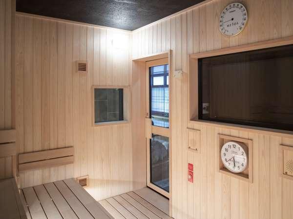 ◆高温サウナには分時計を設置 室温:約95度 定員:6名