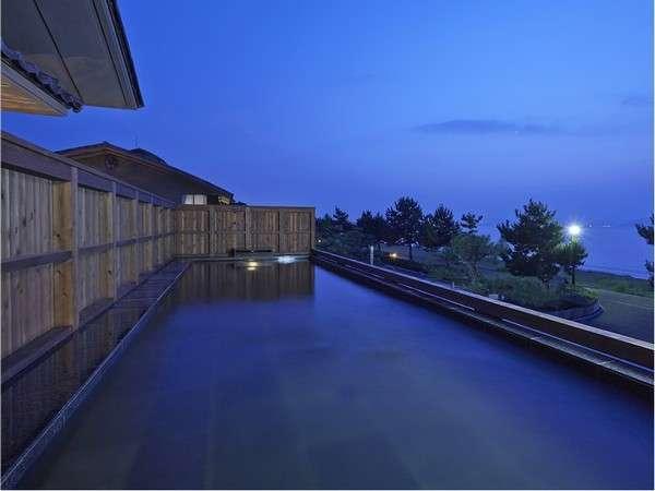 [写真一例:汐湯大展望風呂]波の音と潮風に包まれながら入るお風呂は最高です!