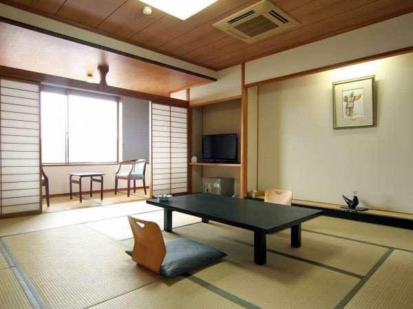 落ち着いた雰囲気のちょっと広めの現代和風造りの和室12,5畳+2,5畳広縁