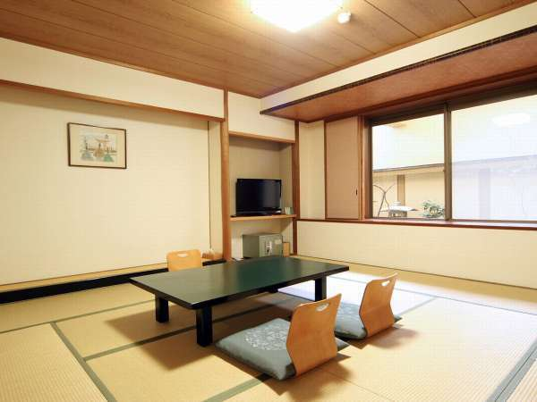 落ち着いた雰囲気のちょっと広めの現代和風造りの和室12,5畳(広縁なし)