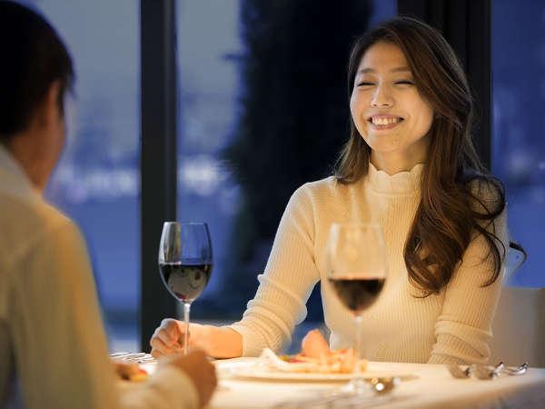 地産地消を活かしたフレンチに、美味しいワイン。落ち着いた雰囲気のなか愉しむ、大切な人とのディナー。