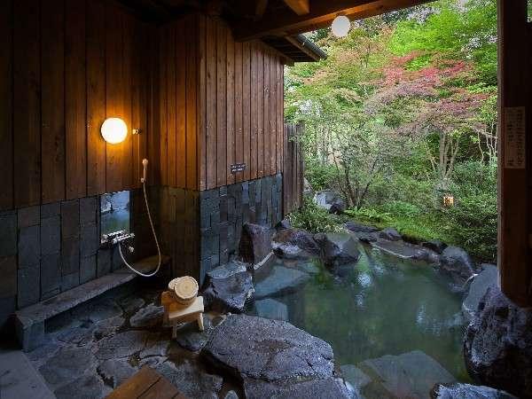 本館露天付1間の露天風呂