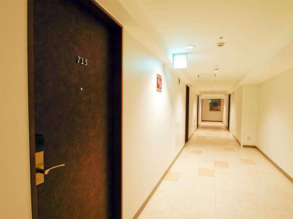 沖縄を思いっきり楽しんだ後は、お部屋でゆっくりと休息を。